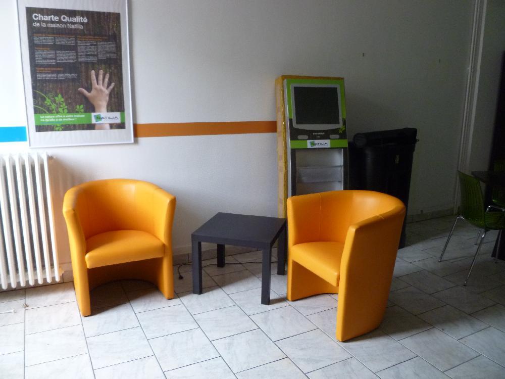 Vente aux ench res materiel et mobilier de bureau en bon for Mobilier bureau informatique